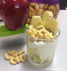 Sugestão de Lanche: Maçã com Iogurte Grego Natural Ligeiro, Cajús e Sementes de Chia