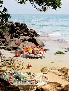 Take me too the beach! Wouldn't it be nice to have this as your front yard?