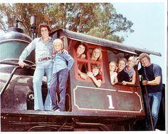 The Bradys 1990 TV Series | The Brady Bunch Cast on train