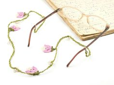 Glasses Strap- Handmade Crochet Eyeglass Accessories, Pink Tulip Flower Eyeglass Holder, Crochet Eyeglasses Strap, Bohemian Jewelry, Sunglasses,Glasees Chain, Eyeglass Necklace, Textile Jewelry ALL Pinara Design jewelries are INCREDIBLY lightweight!! You wont even know youre wearing them (except youll look AMAZING)!!!!  For all my designs, I use an ancient Anatolian lace technique that dates back thousands of years and use very slim high quality embroidery thread. Every mm is original and…