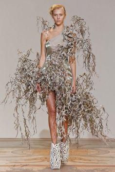 "Iris van Herpen: ""Wilderness Embodied"" couture show – WIRED"