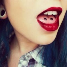 10 Most Popular Piercings Double tongue piercing. Thinking seriously about it… hmmmmmm…. Double Tongue Piercing, Double Cartilage Piercing, Dermal Piercing, Septum, Face Piercings, Types Of Piercings, Surface Piercing, Multiple Ear Piercings, Nose Rings