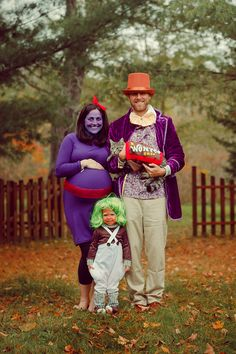 Halloween costume for pregnant Mom: Violet from Willy Wonka