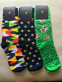 E ver since I got introduced to statement socks, I never looked back to my boring black and gray ones. I just discovered how much color and. Black And Grey, Socks, Mens Fashion, Blog, Accessories, Moda Masculina, Male Fashion, Fashion For Men, Hosiery