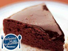Perinteinen suklaakakku on yksi Yhteishyvän lukijoiden suosikkiresepteistä. Sweet Pastries, Little Cakes, Piece Of Cakes, Sweet And Salty, Something Sweet, Coffee Cake, I Love Food, No Bake Cake, Baking Recipes