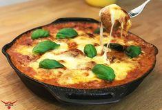 Ein leckeres, schnelles Gericht mit absoluter Suchtgefahr. Fleischbällchen in Tomaten-Sahne-Sauce und Mozzarella überbacken. Nach einer Idee von Ollis Grillabenteuer. Diese Köstlichkeit wird es bei…