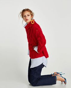 Image 4 of OVERSIZED CABLE-KNIT SWEATER from Zara