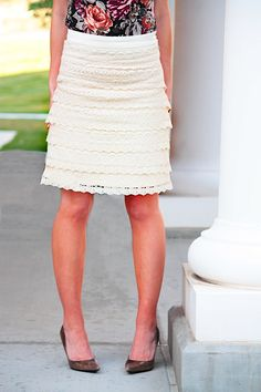 Elle Apparel: Lace for Days Skirt...maybe use a thrift store skirt and just add lace? A lot more time-friendly.