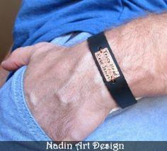 Namensarmband für Männer. Personalisiertes Armband von NadinArtDesign auf DaWanda.com