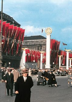The Reich in Photos – The Life in the Reich - Part II – Berlin These photos are provided by   Stumrfurie