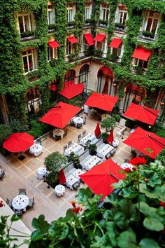 The visually dazzling red awnings and geraniums of the façade are made for Instagram, but they are said to have their origins in an ostentatious romance between Marlene Dietrich and French screen legend Jean Gabin, played out at this hotel. Inside, grand décor blends touches of 17th-century Versaille style and Art Deco elements, with a modern finish. In the lobby, polished white marble floors and chandeliers are embellished with contemporary flower arrangements. Banquettes, Hotel Particulier Montmartre, Contemporary Flower Arrangements, Dorchester Collection, Palace, Beautiful Places, Most Beautiful, Marble Floor, Outdoor Furniture Sets