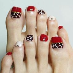 Semi-permanent varnish, false nails, patches: which manicure to choose? - My Nails Pedicure Designs, Manicure E Pedicure, Toe Nail Designs, Pretty Toe Nails, Cute Toe Nails, My Nails, Toe Nail Color, Toe Nail Art, Nail Ideas