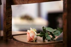 How To Do Photography Of A Funeral Tastefully And With Respect - is-sit tiegħi Funeral Photography, Photography Editing, Life Photography, Photography Ideas, Taking Pictures, Cool Pictures, Digital Photography School, Funeral Flowers, Depth Of Field