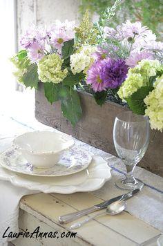 Dining Table Wedding Inspiration www.motherofthebride.com.br