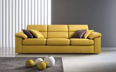 Giornata da divano? Passa di Qi e prova uno dei nostri morbidi sofà colorati !