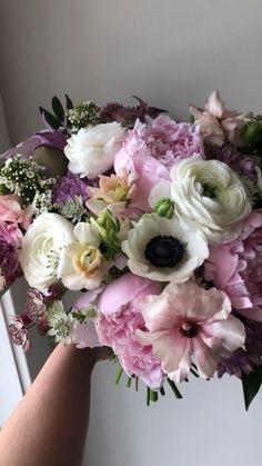 Ranunculus Bouquet, Pink Bouquet, Flower Bouquets, Floral Wedding, Wedding Bouquets, Wedding Flowers, Amnesia Rose, Astrantia, Spray Roses
