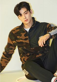 "ChaEunwooTH on Twitter: ""[PIC] K-Swiss Korea Facebook ✨  #아스트로 #ASTRO #CHAEUNWOO #이동민 #차은우 #ชาอึนอู #ชาอึนวู @offclASTRO… "" Korean Boys Ulzzang, Korean Men, Asian Boys, Asian Men, Asian Actors, Korean Actors, F4 Boys Over Flowers, Saranghae, Cha Eunwoo Astro"