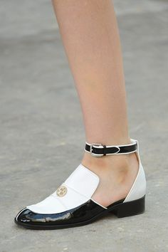 Estos Chanel no pueden faltar en tu look este verano.