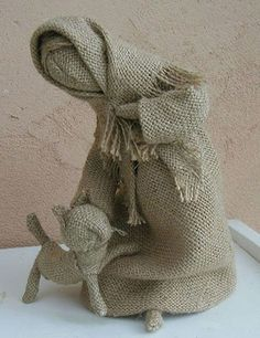 1 million+ Stunning Free Images to Use Anywhere Burlap Crafts, Diy And Crafts, Burlap Projects, Theme Noel, Burlap Flowers, Waldorf Dolls, Doll Crafts, Soft Sculpture, Fabric Dolls