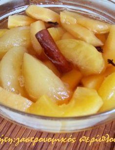 Κομπόστα μήλο-κυδώνι, μαζί ή χώρια - cretangastronomy.gr Non Chocolate Desserts, Kinds Of Desserts, Custard, Fruit Salad, Cantaloupe, Trifles, Puddings, Recipes, Food