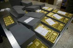 Ouro valorizou quase 30% em 2015. Vale a pena comprar? - http://noticiasembrasilia.com.br/noticias-distrito-federal-cidade-brasilia/2016/01/20/ouro-valorizou-quase-30-em-2015-vale-a-pena-comprar/