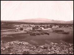 Το Νέο Φάληρο γύρο στο 1890. Φωτογραφία: Αφοί Ρωμαΐδη. Old City, Athens, Old Photos, Greece, River, Fine Art, Country, Outdoor, Clothes