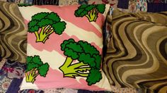 [No Pattern] 80's Broccoli Cushion #sewing #crafts #handmade #quilting #fabric #vintage #DIY #craft #knitting