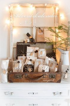 Advent G for .: 3 advent calendars How Does Your Garden Grow: Tips For Hiring A Landscaper Just wh Homemade Advent Calendars, Diy Advent Calendar, Advent Calander, Records Diy, Diy Leather Luggage Tags, Christmas Calendar, Christmas Mood, Vintage Diy, Xmas Gifts