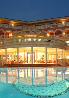 Luxury Mansions www.OakvilleRealEstateOnline.com