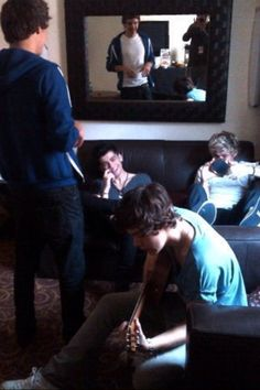 why am i so in love with this picture?!? <<<<< maybe because you can see Louis taking the picture in the mirror, and they're all smiling!