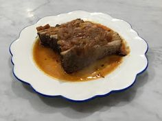 Brisket is one of those foods I often forget about, but when I do make it, I always love the delicious flavor and how easy it is to cook. Braised Brisket, Roast Brisket, Beef Broth, Red Wine, Dinner Ideas, Cactus, Easy Meals, Forget, Stuffed Peppers