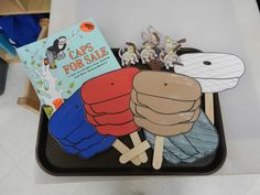 Caps for Sale - Act out the story with caps and monkey props. Use to teach high/slow notes, movement up and down with pitches. Literacy Bags, Preschool Literacy, Preschool Books, Preschool Themes, Preschool Lessons, Early Literacy, Kindergarten Reading, Classroom Activities, Preschool Activities