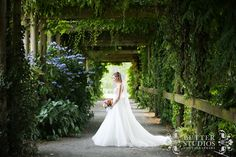 Butter_Studios_Wedding_Photographers_Vancouver_Event_Allison_Allie_UBC_Botanical_Gardens_26