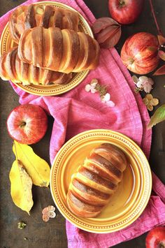 bułeczki z jabłkami Peach, Fruit, Food, Mudpie, Peaches, The Fruit, Meals, Yemek, Fishing