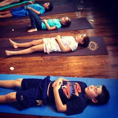 Alluem Kids: Sea Shell Yoga with a House for Hermit Crab