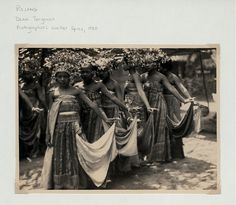 BALINESE DANCERS....INDONESIA.....1930.....PHOTO BY WATTER SPIES......BING IMAGES......