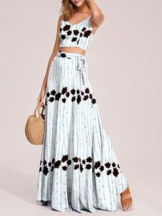 Boho Dress Spaghetti Straps Straps Neck Sleeveless Floral Print Backless Lace Up Beach Dress Summer Dress Outfits, Summer Fashion Outfits, Ootd Fashion, Boho Outfits, Mode Streetwear, Streetwear Fashion, Moda Ootd, Look Boho, Boho Girl