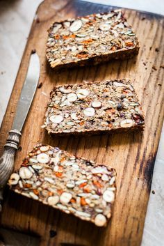 Niezwykły chleb bez grama mąki Unusual bread with gram flour Gluten Free Recipes, Healthy Recipes, Seed Bread, Gula, Good Food, Yummy Food, Naan, Fresh Fruit, Dried Fruit