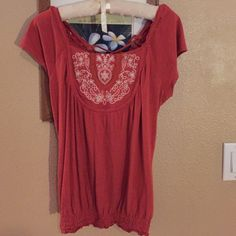 Decree size medium bohemian shirt I'm so bummed it didn't fit! This is a reposh. It just runs a little small. Should fit baggier on me. So I would suggest a small/medium for this shirt.  Paid 10.00. Love it! Decree Tops Blouses
