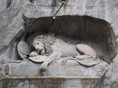il leone e le altre cose da vedere a #Lucerna http://www.seviaggiassi.it/lucerna-un-mix-svizzero-di-delizie-urbane/ #svizzera #viaggi