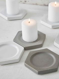 Geometric concrete candle plates by UK based Tag you favorite . Cement Art, Concrete Art, Concrete Design, Concrete Crafts, Concrete Projects, Concrete Furniture, Creation Deco, Diy Candles, Tea Light Holder
