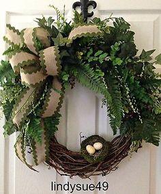 Spring wreath. Easter wreath. DIY wreath ideas.