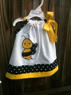The only thing I would change is having ribbon on both sides of neckline Toddler Dress, Baby Dress, Toddler Girl, Sewing For Kids, Baby Sewing, Little Girl Dresses, Little Girls, Baby Girl Fashion, Kids Fashion