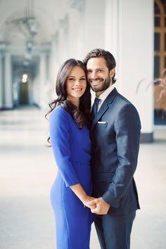 El príncipe Carlos Felipe y su prometida, Sofia Hellqvist, nuevas fotografías oficiales #realeza #royalty
