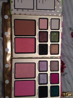 Be merry be bright too faced palette