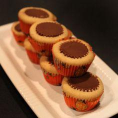 Mini Reeses Cupcakes