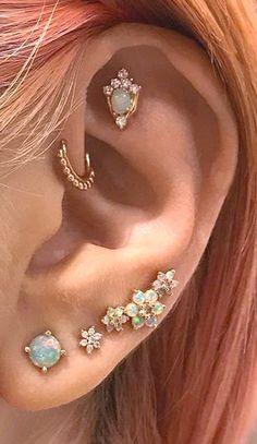 Ear Jewelry, Cute Jewelry, Body Jewelry, Jewelry Ideas, Jewlery, Ear Piercing Helix, Forward Helix Piercing, Forward Helix Jewelry, Labret Piercing