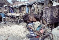 Steve McCurry, The Slums of India are places Westerners would be horrified by. Many wont even go to INDIA to begin with. People Photography, Poverty Photography, Steve Mccurry, Film Inspiration, Poor Children, Infancy, Tough Guy, Slums, Faith In Humanity