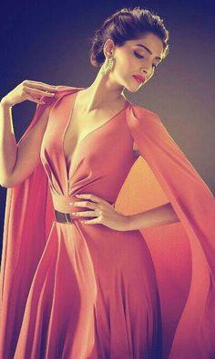Sexy Sonam Kapoor Latest Photoshoot For L'Oreal Paris India Sonam Kapoor, Indian Celebrities, Bollywood Celebrities, Bollywood Fashion, Diva Fashion, Fashion Models, Fashion Beauty, Cannes, L'oréal Paris