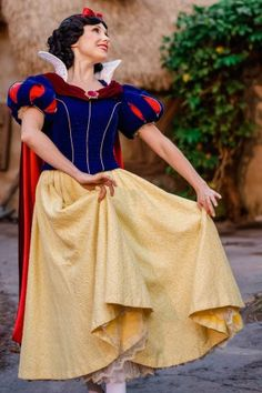 PHOTO GALLERY: Special Portraits of Snow White « Disney Parks Blog